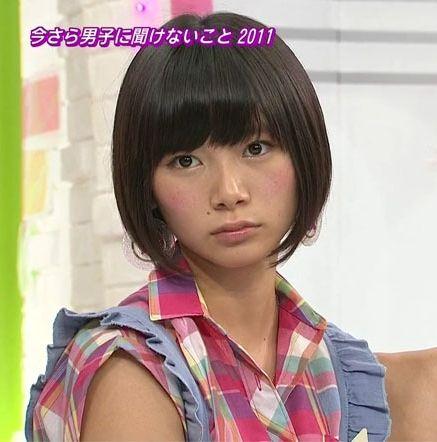 髪のアクセサリーが素敵な朝日奈央さん