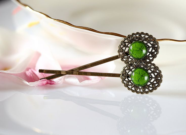 Forest green hair pins Green bobby pins Victorian style hair accessory Beautifull brass filigree with green ceramics Green hair jewelry by ZuDesignJewelry on Etsy
