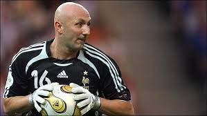 soccer lefty Fabien Barthez, hapy birthday from famouslefties.com