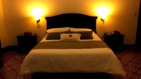 HOTEL CASA ESCOBAR EN BUGA con el mejor alojamiento y servicio personalizado para que su estadia resulte una   experiencia memorable. tarifas con desayuno incluido y parqueadero; cerca a la iglesia de la Basilica del señor de los   milagros. Hotel Casa Escobar su casa fuera de casa $115,000 COP