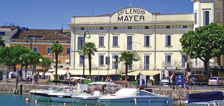 The Hotel Mayer & Splendid is set right on the side of Lake Garda in the centre of Desenzano. Tastefully renovated with superb lake views from the terrace.