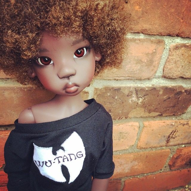 I can't handle it when you look at me like that! Nala, melting hearts ❤ Doll by Kaye Wiggs styled by Decifashion.  She is a handmade, ball-jointed doll made of resin, specifically a dark tan Miki doll by Kaye Wiggs.