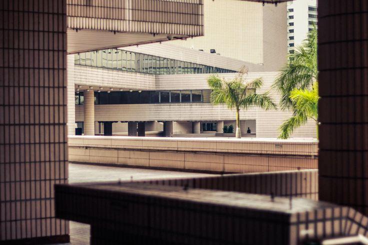 #hongkong #skyscraper #city #contemporary #modern #architecture #view #street #artcentre