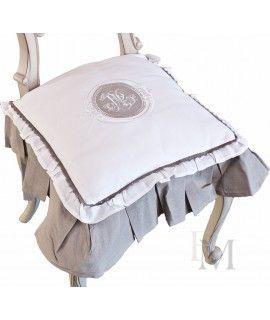 #Poduszkanakrzesło Monogram white