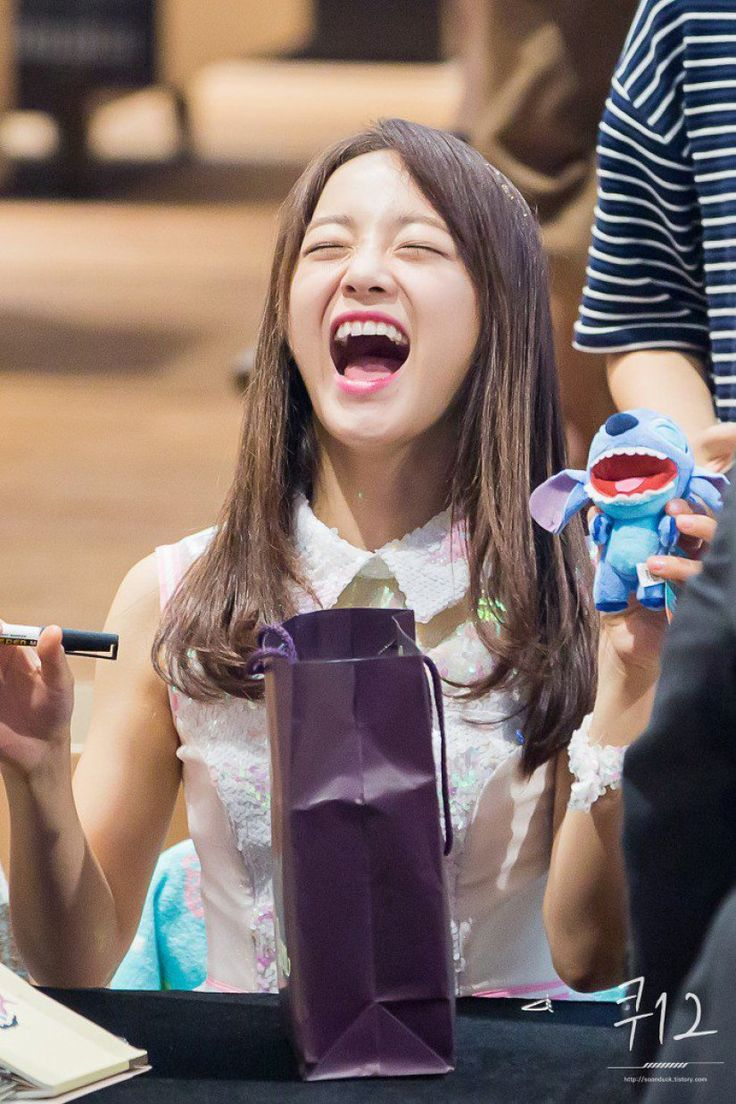 GUGUDAN - Kim SeJeong #김세정 #세정 #Gu9udan :: Photos of Kim Sejeong imitating cartoon characters go viral