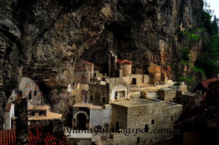 trabzonümela manastırı