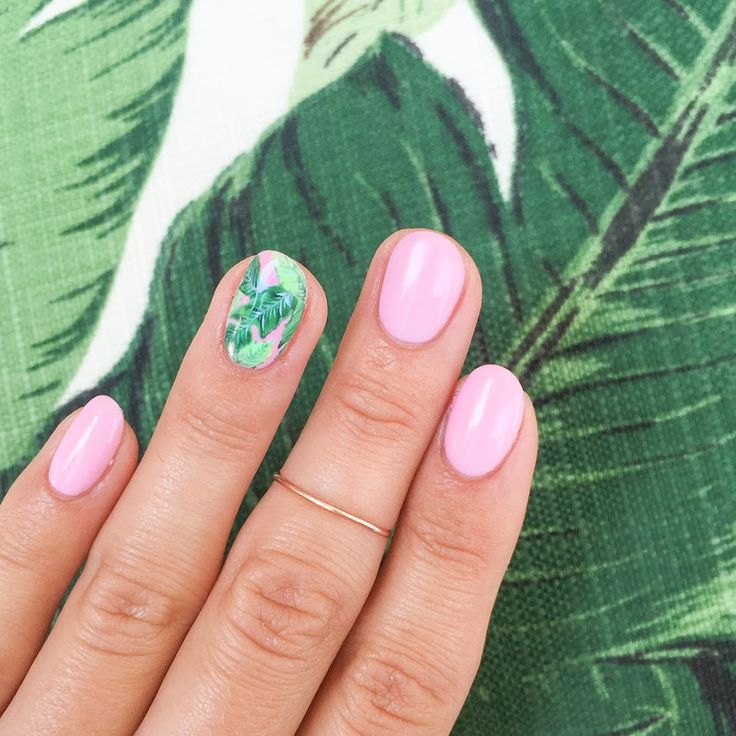Banana Leaf Nail Art / Her Majesty's Pleasure