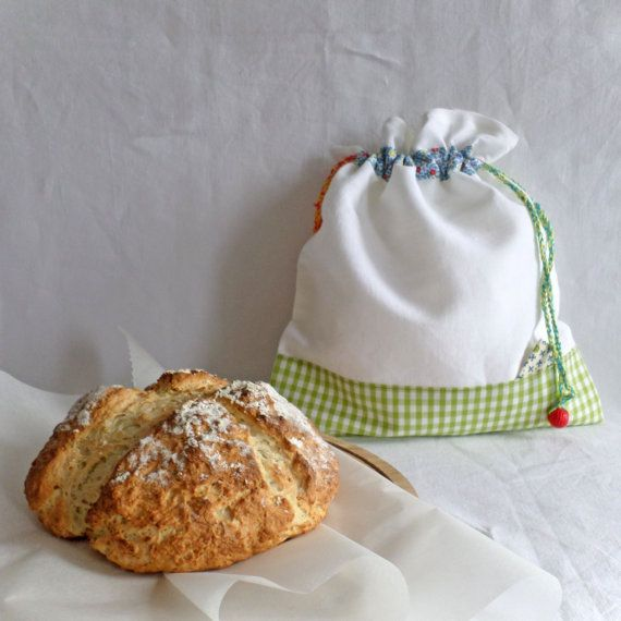 This bread bag keeps my home made bread fresh for at least 5 days