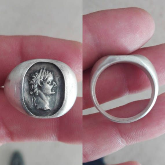 Mira este artículo en mi tienda de Etsy: https://www.etsy.com/es/listing/567008497/ring-with-bust-of-tiberius-claudius-nero