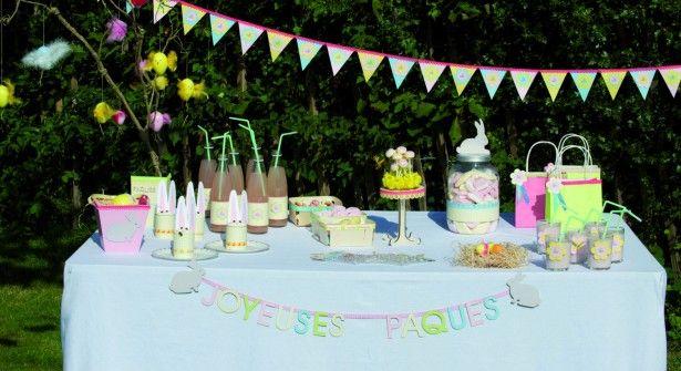 une jolie table de desserts : un décor facile à créer avec pour l'essentiel du papier, des perforatrices et de la colle !