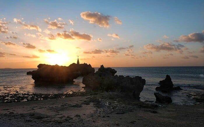Pantai Tiang Bendera Gagahnya Kibar Sang Saka Di Ujung Selatan Negeri Matahari Terbenam Pantai Pesisir