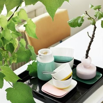 Marimekko Polikas collection consists of white Oiva tableware dipped in green, yellow, pink or light blue glaze. The clean-lined bowls, coffee cup, plate and Tonkka pitcher, designed by Sami Ruotsalainen, can be combined in various ways and according to mood and occasion.