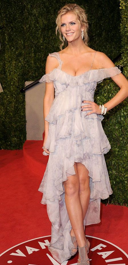 Brooklyn Decker... she's gorgeous AND married to Andy Roddick. Perfect life.