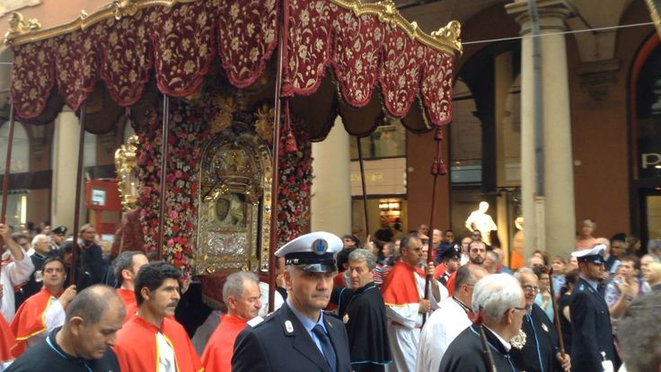 La B.V.di San Luca è scesa in San Pietro
