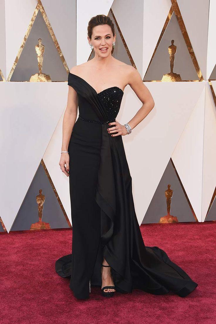 Jennifer Garner en Versace. La alfombra roja de los Premios Oscar 2016