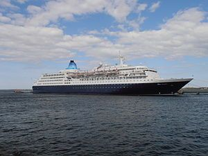 Saga Sapphire. Ιδιοκτησία: Saga Cruises II Ltd. Διαχείριση: Saga. 1981 ~ 1999 Europa. 1999 ~ 2000 SuperStar Europe. 2000 ~ 2004 SuperStar Aries. 2004 ~ 2008 Holiday Dream. 2008 ~ 2011 Bleu de France. 2011 ~ present, today's name. Παρθενικό ταξίδι στις 08/01/1982. 37.301GT ~ 199,63 μ.μ. ~ 28,55 μ. πλάτος ~ 12 κατ/τα ~ 19knots ~ 752~1.158 επ. ~ 406 α.πλ.