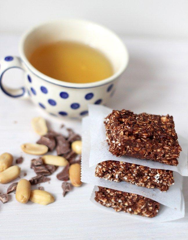 Gezonde Snickers Havermout koekjes (zonder bakken) | De Bakparade
