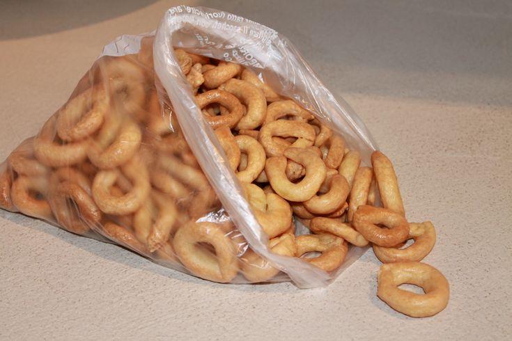 I taralli pugliesi senza glutine, sono un'ottima alternativa gluten free dei classici taralli pugliesi
