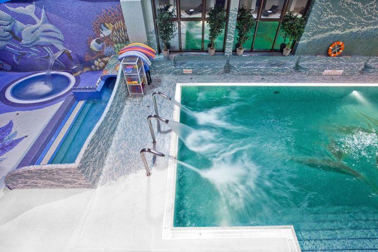Nasz Aquapark z lotu ptaka. A u Was jakie widoki na weekend? :) http://www.hotelklimek.pl/hotelklimekspa/aquapark #hotelklimek #aquapark #spa #swimming #pool #basen #polska #poland #muszyna #krynica #beskidy