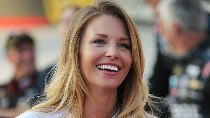 Amy Reimann NASCAR Illustrated: Up Front excerpt with Amy Reimann