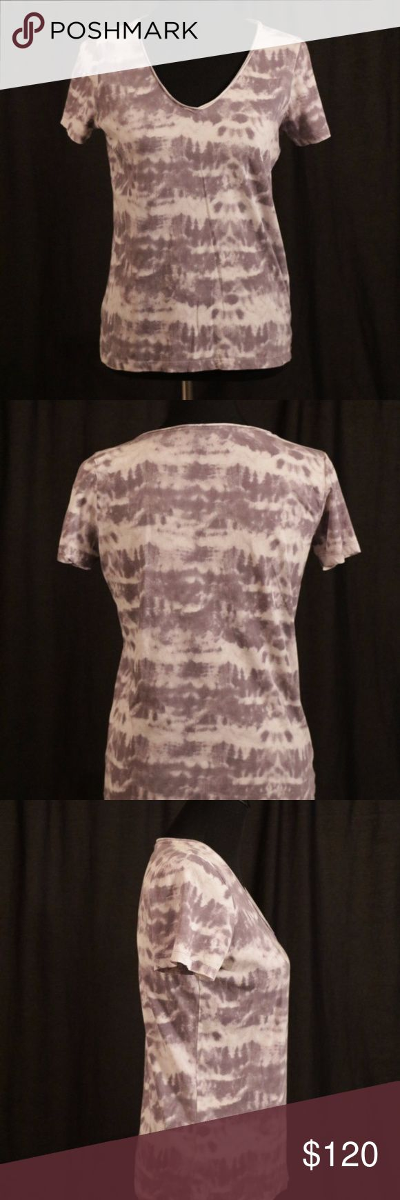 BOSS Hugo Boss T Shirt Subtle and simple and comfortable what more is there? This light print is perfect for the fall and summer you can layer it customize it, it is the perfect shirt for anyone who wants a simple and easy shirt! BOSS ORANGE Tops Tees - Short Sleeve