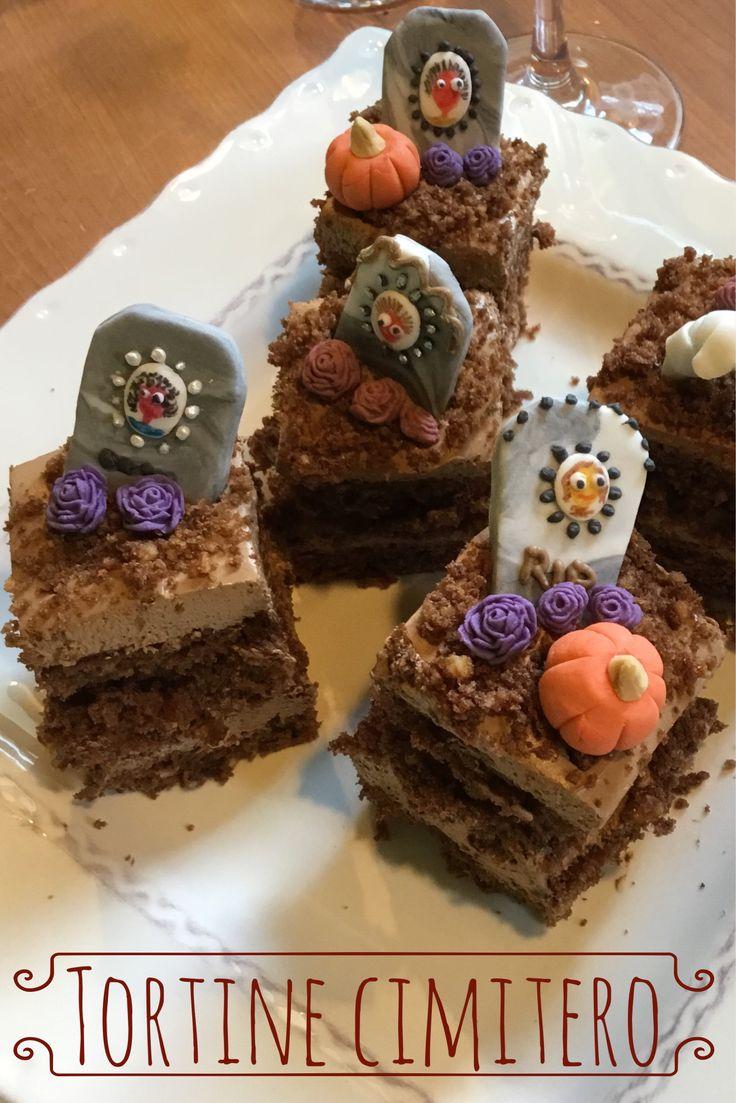 Golose Tortine decorate con delle simpatiche lapidi di Pasta di zucchero