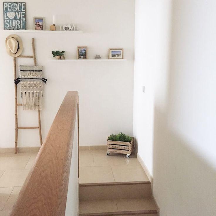 estanteries ikea per decorar les escales