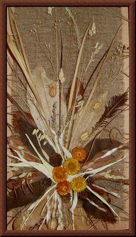 Панно из сухоцветов(листья магнолии, кукурузы,кора пальмы)