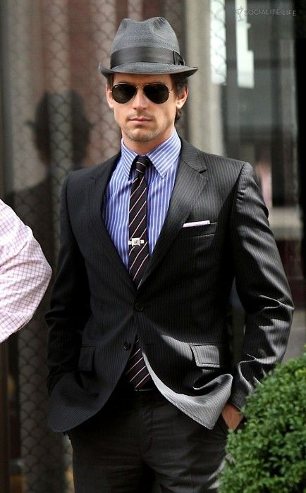 As much as I like Ladies hats, I do enjoy seeing men in hats once in a while.  Come on.  Who doesn't like it when Neal Caffrey (Matt Bomer) wears one?