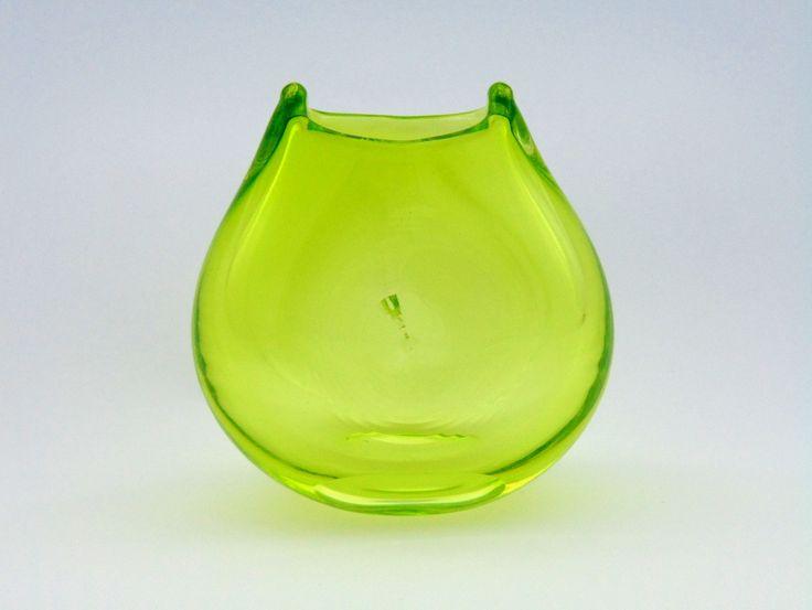 """Wazon """"kocia głowa"""" - szkło zielone, przezroczyste"""