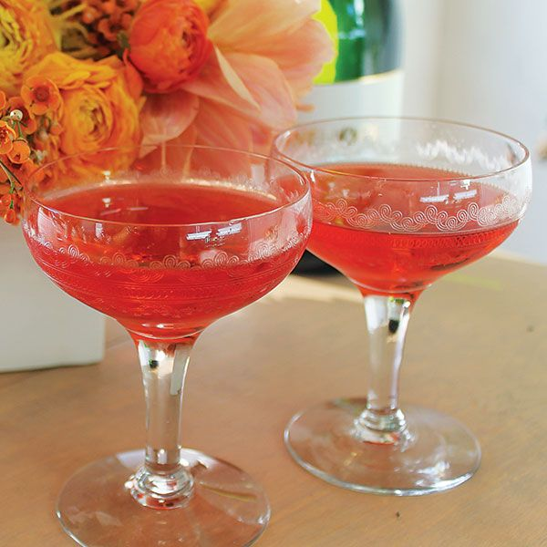 ½ oz. peach schnapps½ oz. grenadine4 oz. OneHope Sparkling WinePour the peach schnapps and grenadine into a champagne flute or coupe. Top with sparkling wine.Created by OneHope Sparkling Wine, whichdonates 50% of its proceeds to End Childhood Hunger