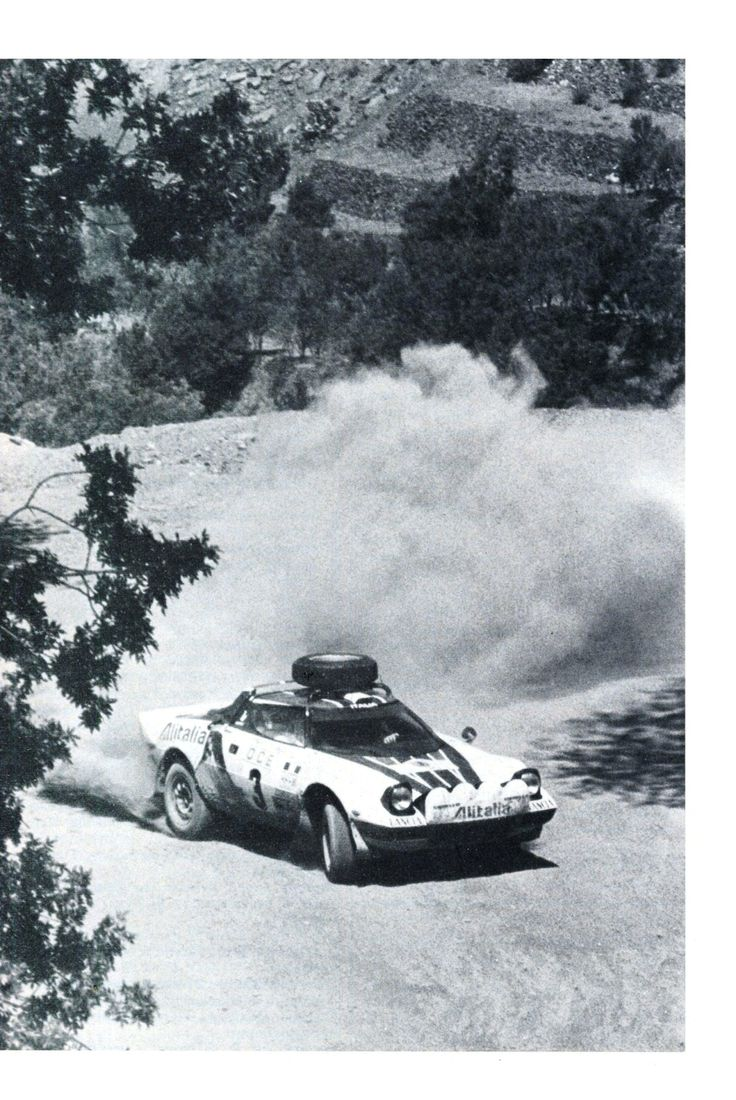 Sandro Munari (Lancia Stratos) - Rallye du Maroc - 1976 - sport-auto août 1976.