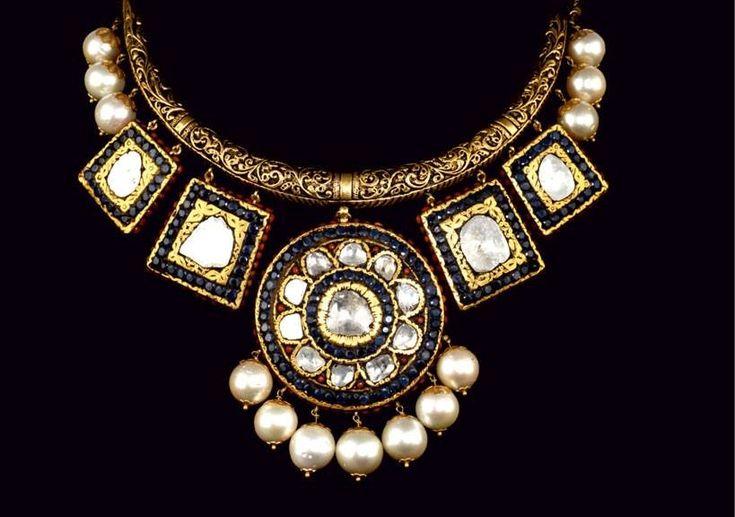 Antique neckpiece