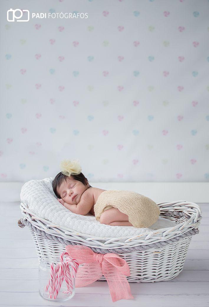 Fotografo Valencia: Fotografía embarazo y newborn Amaia – Padi Fotógrafos