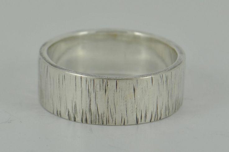Bark effect wedding ring