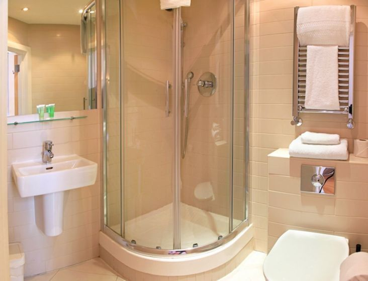 Shower Doors For Tight Spaces Tightspacebathroomdesigns Small