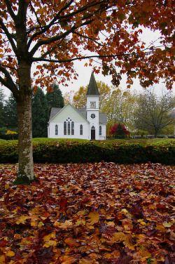 cozyautumnchills: Minoru Chapel by CX15 on Flickr.