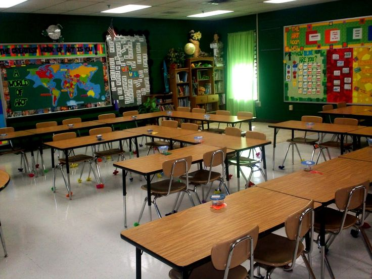 High school classroom organization: Arranging the desks this way makes it easy for students to form pairs or groups of four.