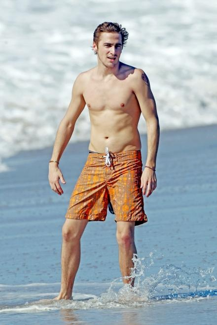 Kendall Schmidt....Yes I watch BTR, and yes he's my fave,lol. Dont judge,lol.
