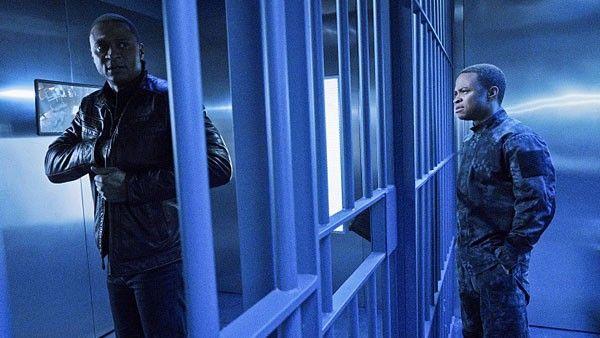 Arrow  S04  E11  A.W.O.L.