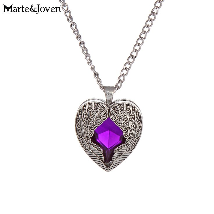 [Marte&Joven] Vintage Jewelry Pendant Necklace Peach Palace Carved Angel Wings Heart Love Long Chain Necklaces for Women