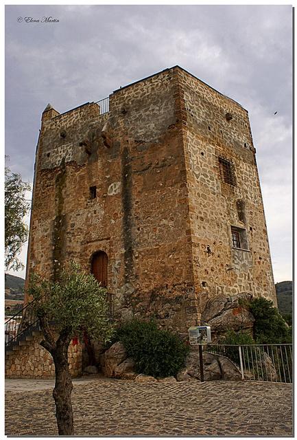 Castillo de los Ulloa. Velez de Benaudalla (Granada)