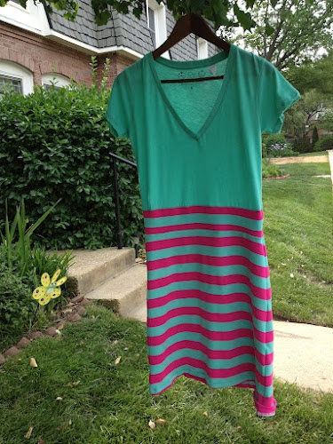 T-Shirt to dress tutorial review.  make out of vest top and black layered skirt, wear with leggings