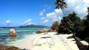 L'arcipelago di #Sibu a poche ore di volo da Singapore o via traghetto da Mersing è il luogo ideale per riprendersi da un venturoso viaggio in #Malesia.  http://www.partyepartenze.it/travel/arcipelago-di-sibu