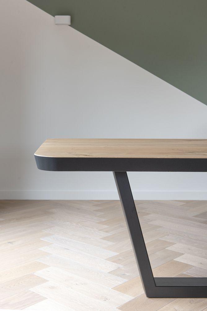 Strakke Eettafel Met Stoelen.Stalen Onderstellen In 2019 Tafels En Stoelen Tafels Tafel Op