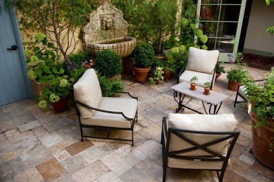Budget Garden Inspiration: 5 Modest and Lovely Courtyards | Apartment Therapy