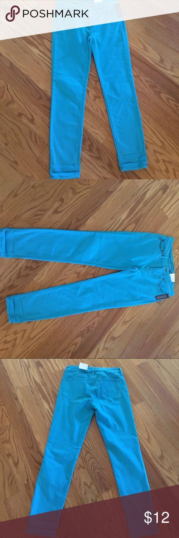 Straight  leg  skinny jeans🦋 Beautiful color Island Teal Skinny jeans NWT Stylus Jeans Skinny