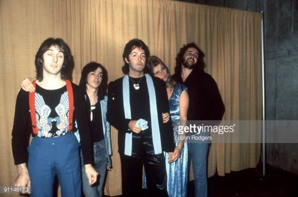 photo-of-paul-mccartney-and-wings-lr-denny-laine-jimmy-mcculloch-paul-picture-id91146173 (594×394)