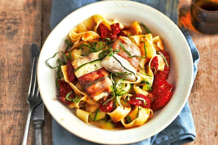 5 maart - Forel in de bonus - Forel op z'n Italiaans: met tomaat, kappertjes, balsamicoazijn en courgette - Recept - Allerhande