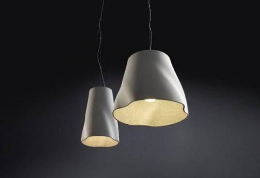 Rainer Mutsch, #designer australiano, ha creato una serie di #lampadari per #MoltoLuce utilizzando fibre di cemento riciclate.Per conferire alle sue opere un'estetica pulita e moderna si è servito di acqua e fibre di cellulosa.